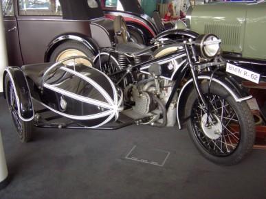 Musées de la moto etc. B3_387_290_90